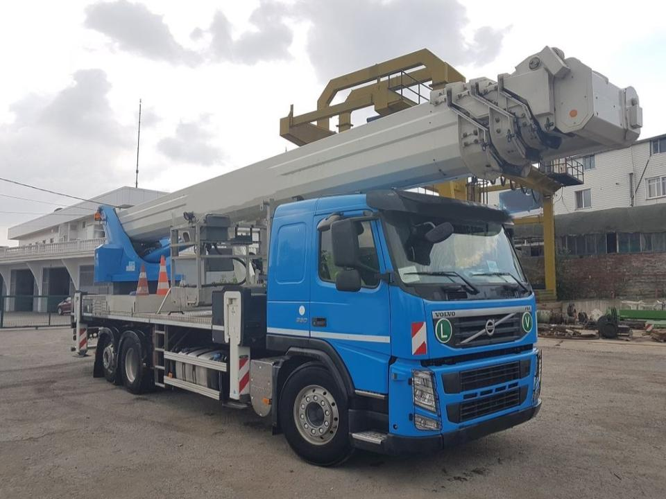 MEGA BOOM - 147 ft Articulating Boom Truck   OPERATED